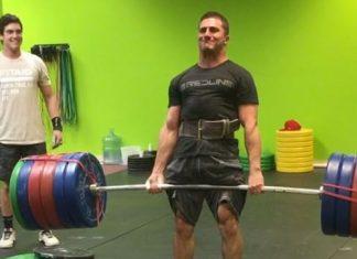 Nick Paladino deadlifts 585 pounds!