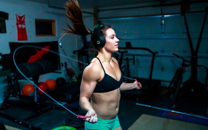 Camille Leblanc-Bazinet using Halo Sport
