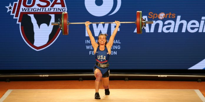 Alyssa Ritchey clean jerk at the 2017 IWF World Championships. Photo courtesy of Lifting Life.