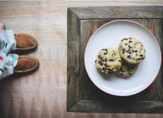 Sammy Moniz shares photo of homemade chocolate chip cookies. @feedingthefrasers/Instagram