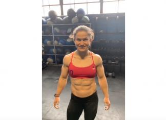 Kari Pearce wins 19.4 of the 2019 CrossFit Open.