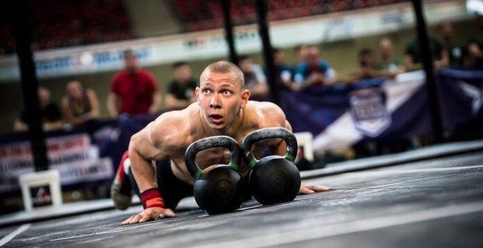 Roman Khrennikov competing at the 2019 CrossFit French Throwdown. Photo courtesy of @wodandpix/Instagram