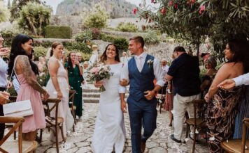 Mia Akerlund and Phil Hesketh get married in Mallorca. Photo via Instagram/@billiemedia